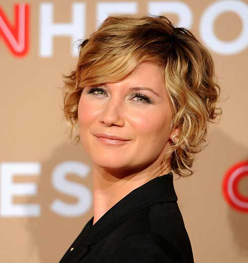 Short Wavy Haircuts Women Over 40