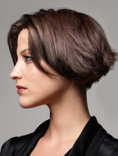 15 Short Haircuts For Thick Straight Hair