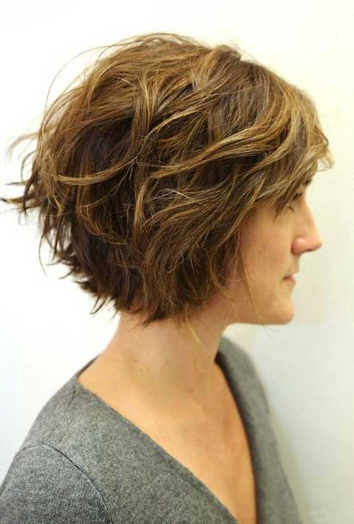 Chic Wavy Short Hairstyles