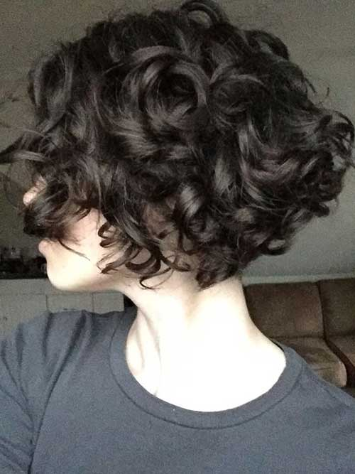 Short Haircuts for Curly Wavy Hair-11