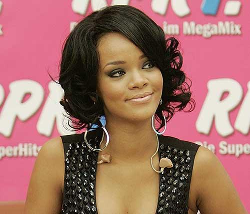 Rihanna Short Curly Hair-13
