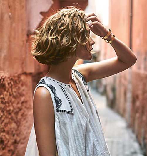 Short Haircuts for Curly Wavy Hair-7