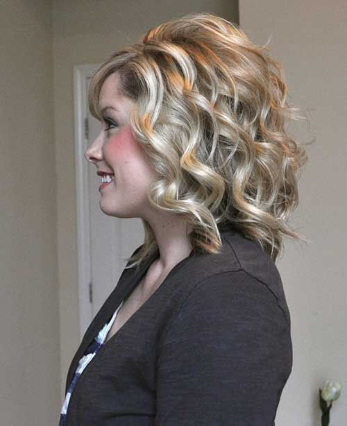 Blonde Short Medium Curly Hairdo Idea