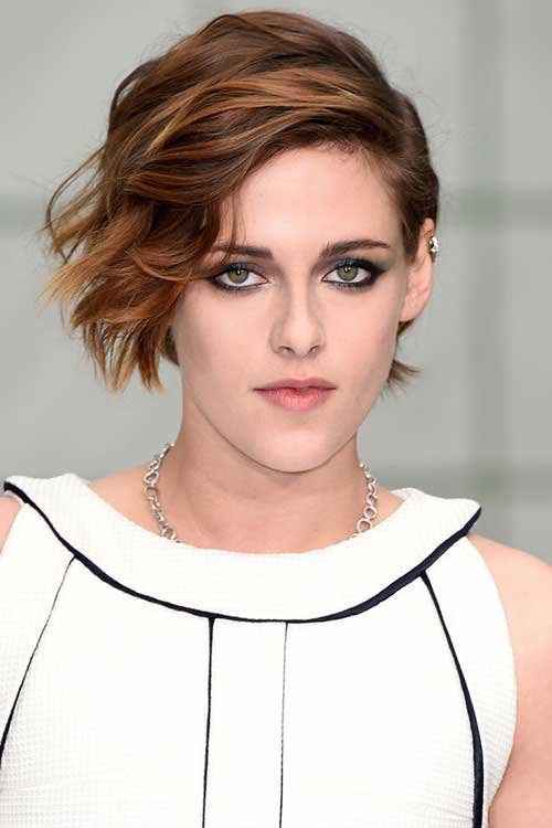 Female Short Haircuts for Wavy Side Bob Style