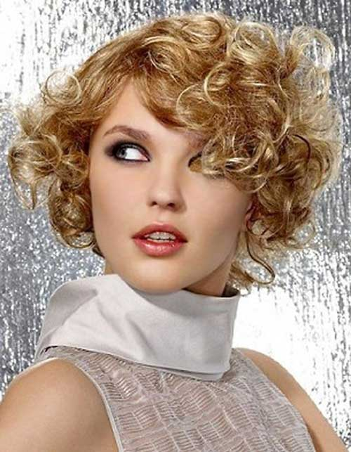 Short Frizzy Curly Women Hair Idea