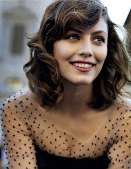 Short Shoulder Length Straight Thick Wavy Hairstyles