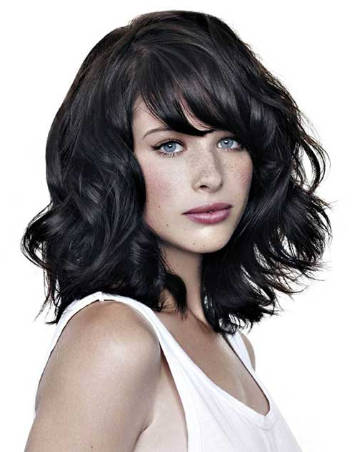 Short Wavy Dark Bob Haircuts for Round Faces