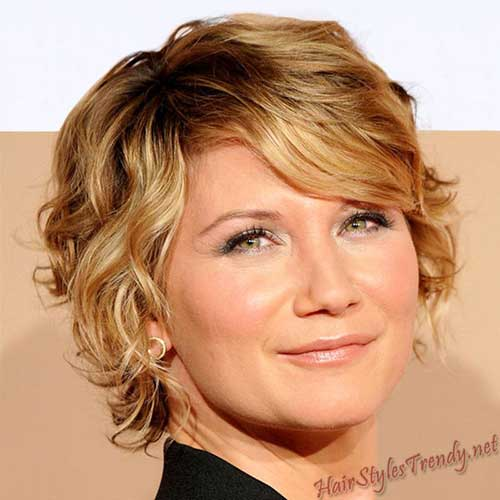 Short Hair Ideas for Round Face-13