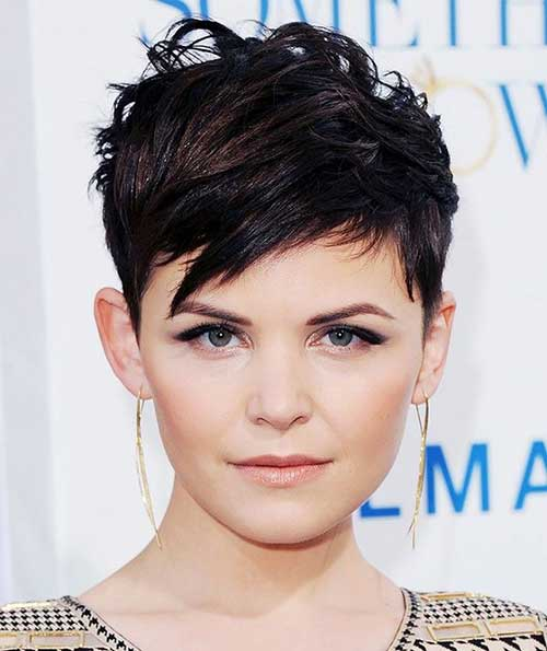 Short Hair Ideas for Round Face-14
