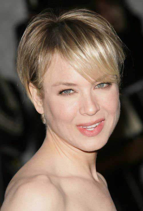 Short Haircuts for Women Over 40-15