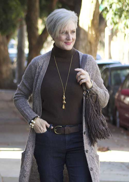 Short Hair Styles for Older Women-10