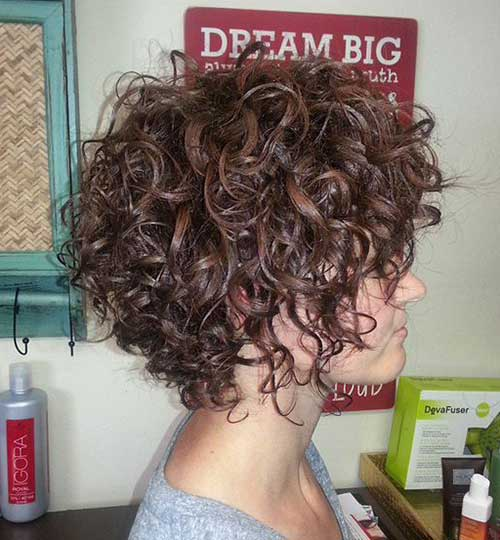 Hairstyles for Short Curly Hair-9