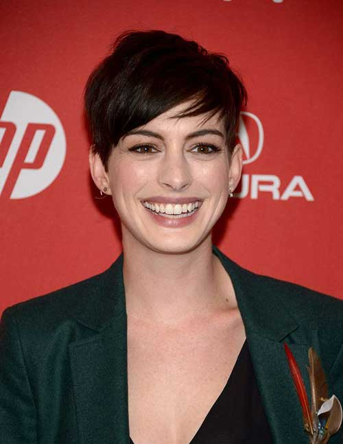 Anne Hathaway Medium Pixie Haircuts