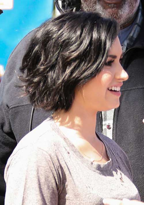 Chic Dark Bob For Thick Wavy Hair
