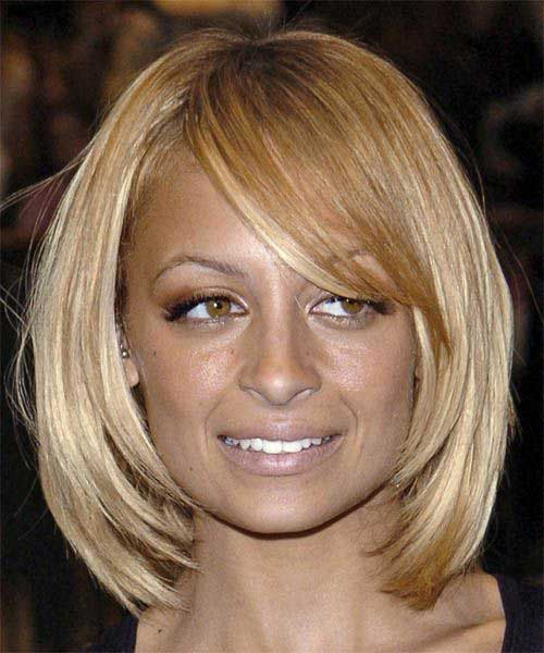 Nicole Richie Blonde Side Parted Bob - 15 Best Nicole Richie Bob Short Hairstyles 2016 - 2017 Most