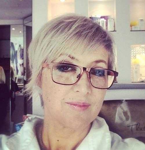 Short Hair Styles for Older Women