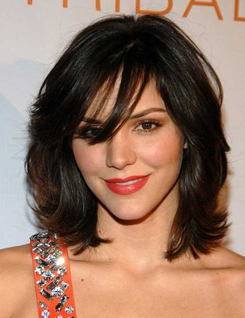 Remarkable Short Hairstyles For Thick Wavy Hair With Bangs Short Hair Fashions Hairstyles For Women Draintrainus