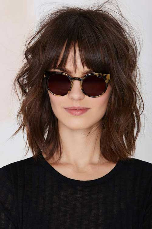 Short Medium Wavy Hairstyles with Bangs