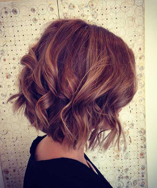 Nice Short Thick Hairstyles with Curly Ends