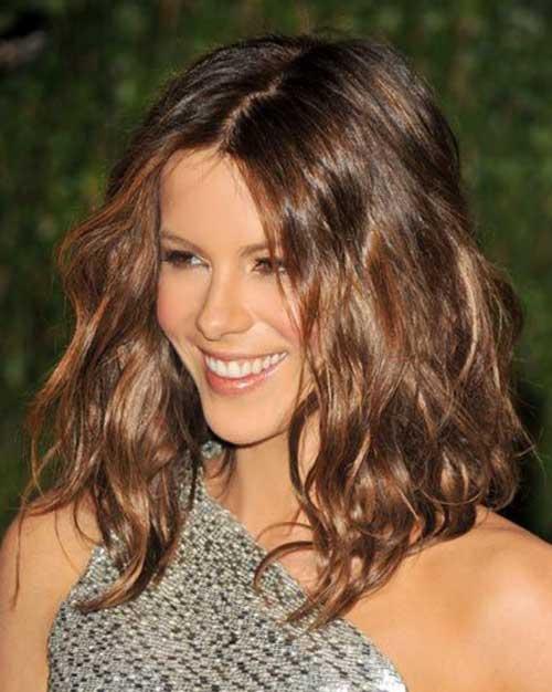 Cute Short To Medium Length Haircuts for Wavy Hair