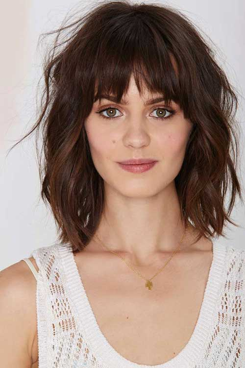 Short To Mid Layered Wavy Hair