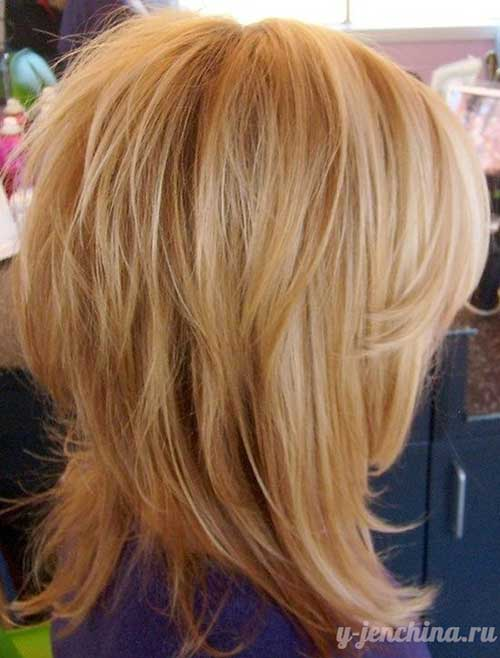 Trendy Medium Short Blonde Layered Hair
