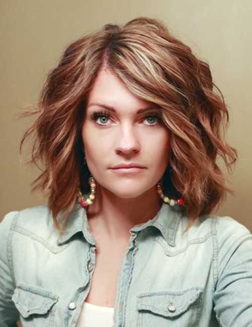 Trendy Short To Medium Thick Wavy Blonde Hairstyle