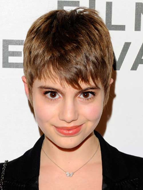 Celebs with Pixie Cuts-10
