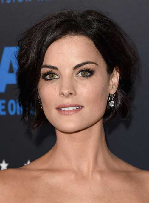 Celebs with Short Hair Cuts-14