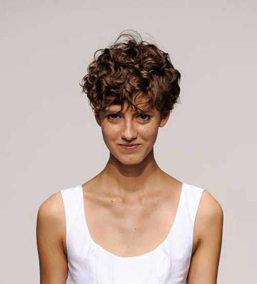 Short Curly Hair Pics To Help You Create A New Look
