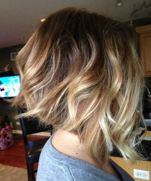 Inverted Wavy Bob Haircuts