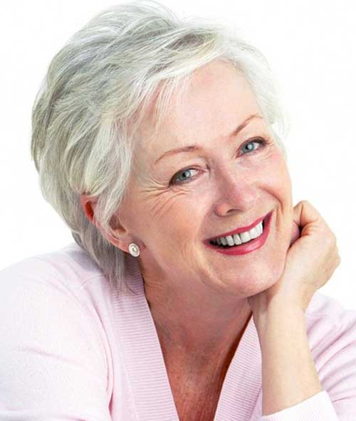 Short Chic Hair Styles for Older Women