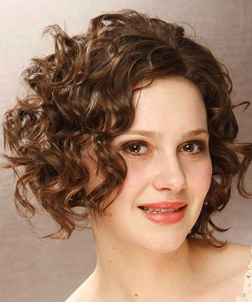 Thick Short Curly Hairstyles for Oval Faces