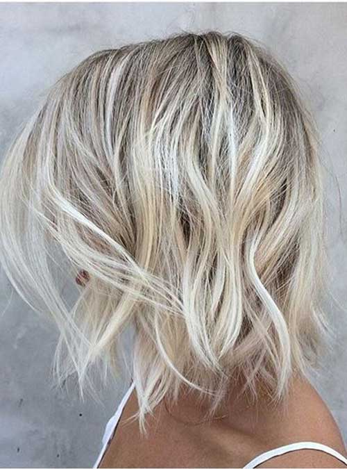 Wavy Short Hair Sand Blonde Color Ideas