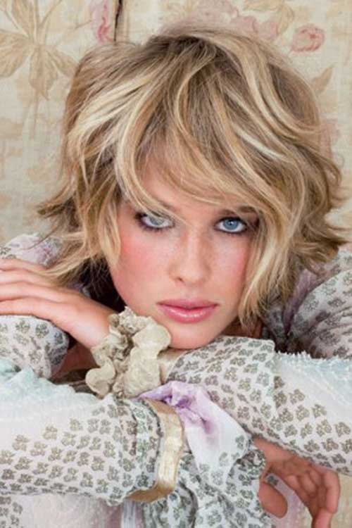 Blonde Short Haircuts for Wavy Thick Hair Type