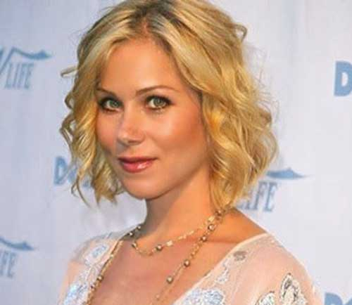 Chic Short Wavy Fine Hairstyles