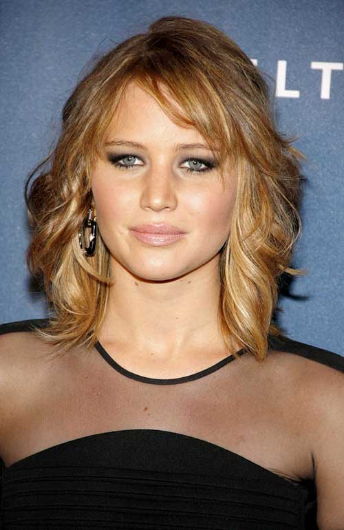 Feathered Short Wavy Thin Hairstyles