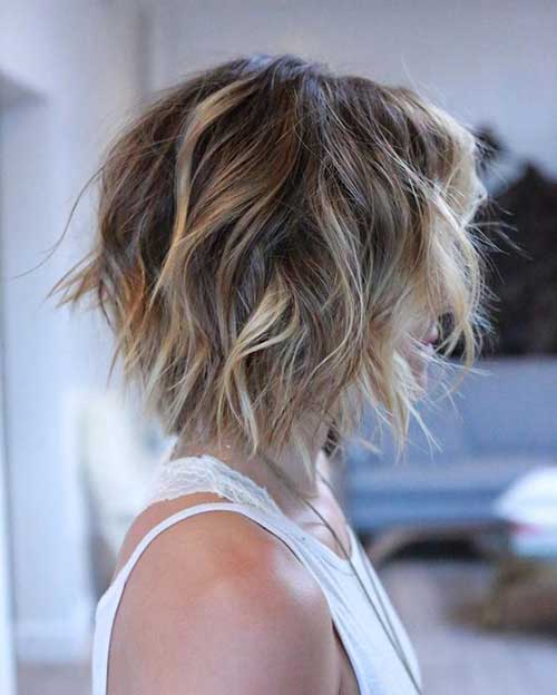 Brooklyn Decker S Wavy Bob Style