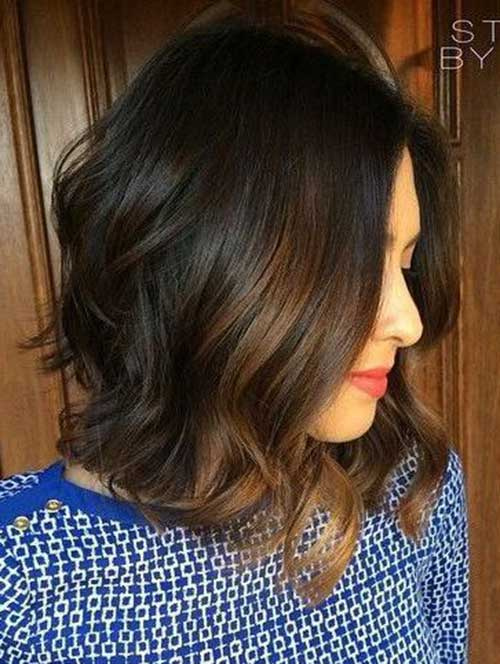Chic Short Haircuts for Wavy Thick Hair