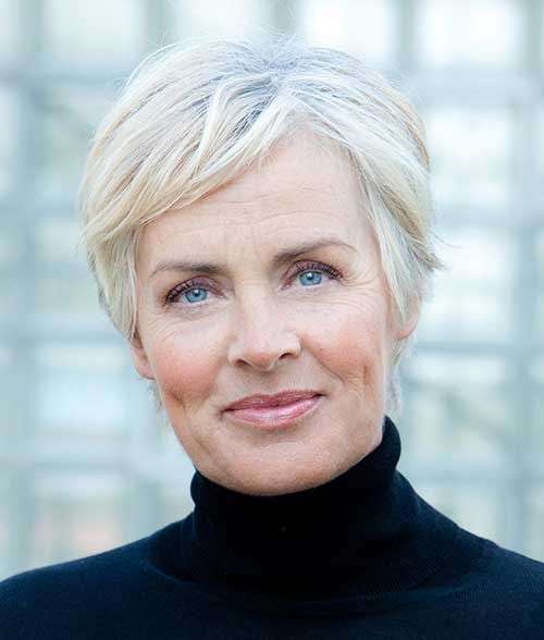 Short Hair Styles Mature Woman 84