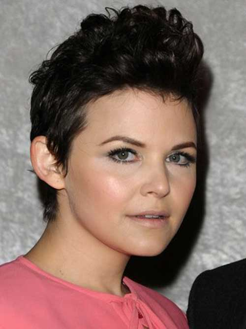 Pixie Cut for Curly Hair-10