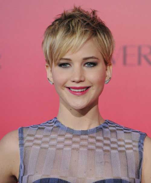 Jennifer Lawrence with Short Hair-13