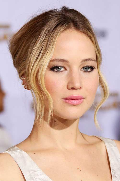 Jennifer Lawrence with Short Hair-18