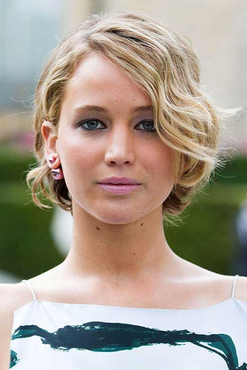 Jennifer Lawrence with Short Hair-19