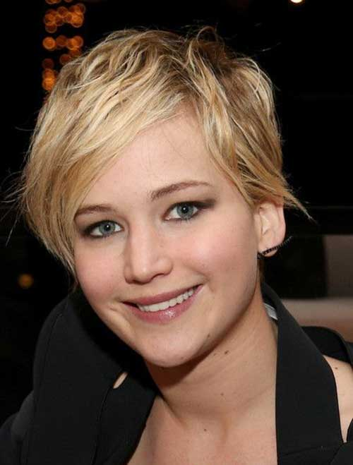 Jennifer Lawrence with Short Hair-20