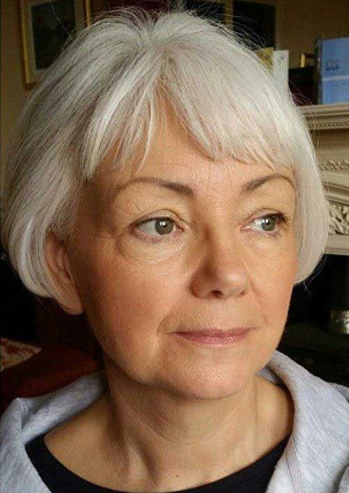 Short Hair Cuts for Older Women-23