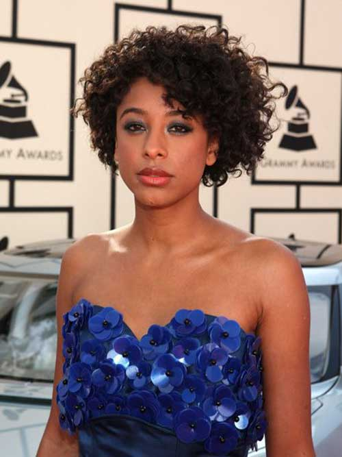 Short Curly Hair for Round Faces-6