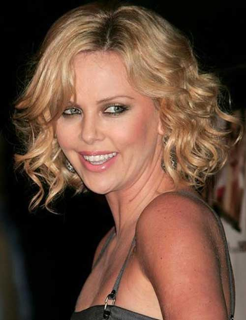 Short Curly Hair for Round Faces-7