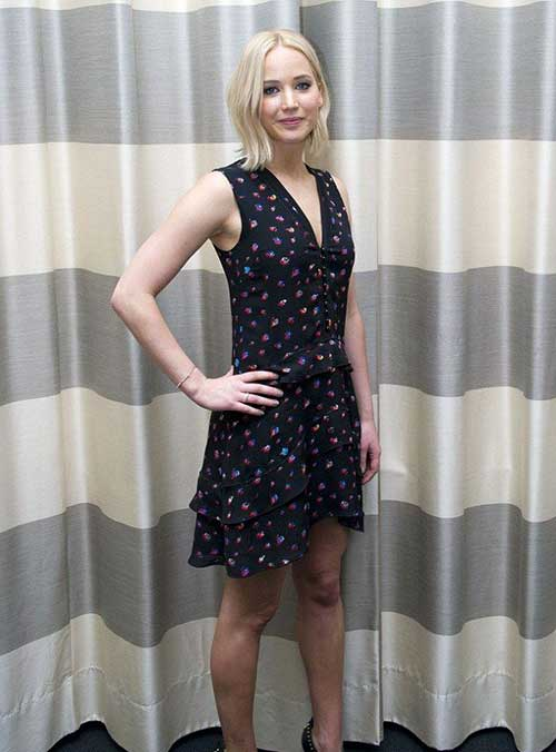 Jennifer Lawrence with Short Hair-8