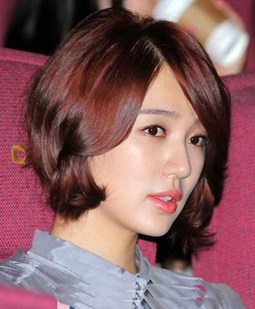 Short Haircuts for Asian Women-9